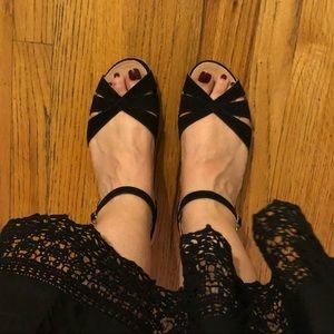"✖️Eric Michael ""Vanessa"" Criss Cross Sandals"